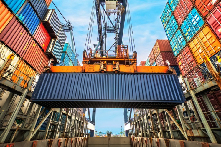 이달 수출입, 석유제품·중동 수출 감소