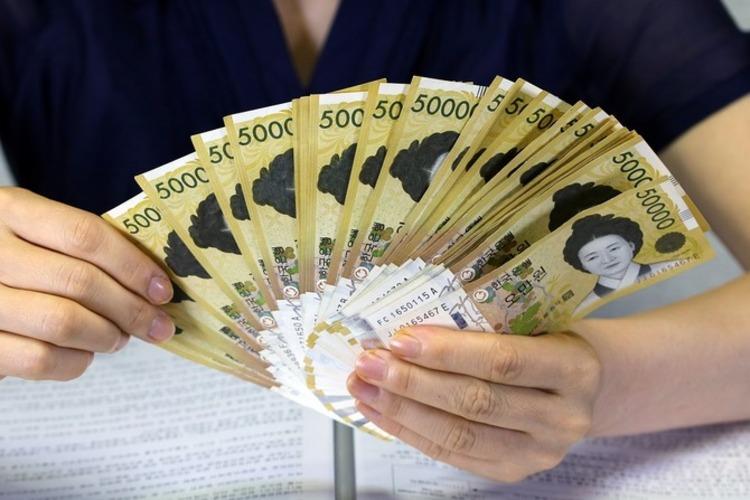 해외 소비지출 오름세 전환, 3.4% 증가